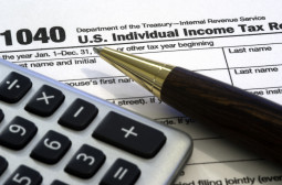 How to Become an Accountant or Auditor